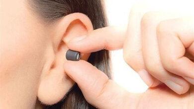 صورة ضبط سماعات للغش في الامتحانات