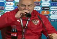 صورة مدرب روسيا يرد بطريقته الخاصة على رونالدو