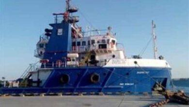 صورة غرق سفينة نفطية في مصر ومصرع القبطان وإنقاذ الطاقم