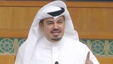 صورة هشام الصالح يسأل أحمد الناصر عن الاعتمادات المالية لتأثيث مكاتب الوزراء والوكلاء والقياديين