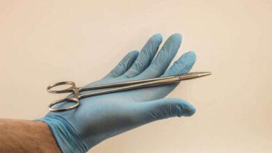صورة وقف العمليات الجراحية الاختيارية في المستشفيات الخاصة لـ أسبوعين