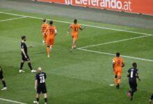 صورة الطواحين الهولندية إلى دور الستة عشر في بطولة أوروبا بعد الفوز على النمسا