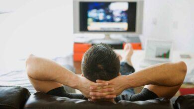 """صورة تطلب الطلاق من زوجها لمشاهدته أفلام """"الكرتون"""""""