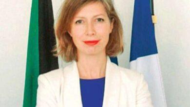 صورة السفيرة الفرنسية: الكويت في القائمة البرتقالية.. ولا حجر للمطعمين
