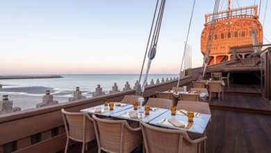 صورة المطاعم العائمة ترسو على شواطئ الكويت