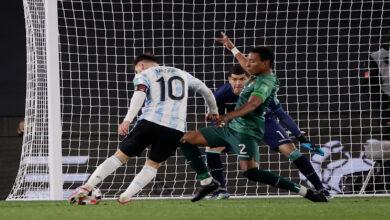 """صورة """"ثلاثية"""" ميسي تقود الأرجنتين للفوز على بوليفيا في تصفيات المونديال"""