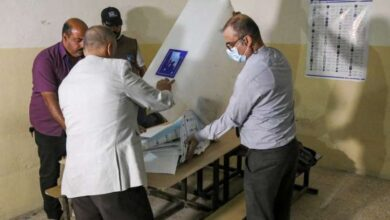 صورة الانتخابات العراقية.. نتائج أولية تشير إلى تقدم كتلتَي الصدر وبارزاني