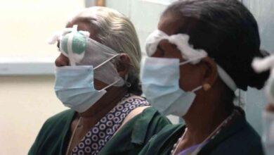 """صورة عمليات جراحية للعيون في الهند.. كهامبرغر """"ماكدونالدز"""" (فيديو)"""