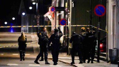 صورة قتلى ومصابون في النرويج على يد مسلَّح بقوس